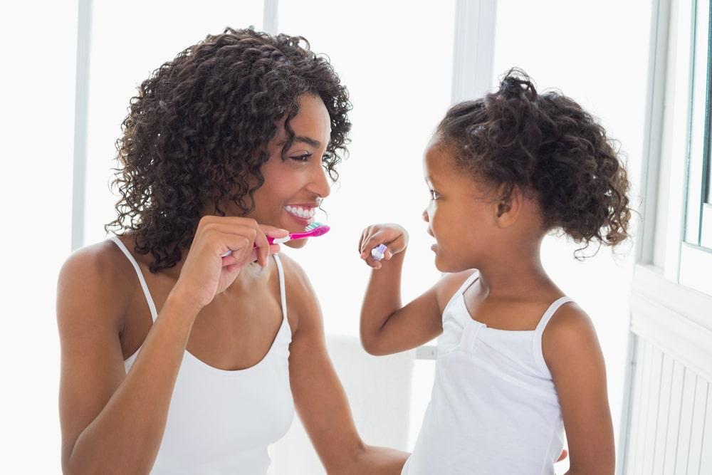 5 conseils pour maintenir la santé buccodentaire de vos enfants