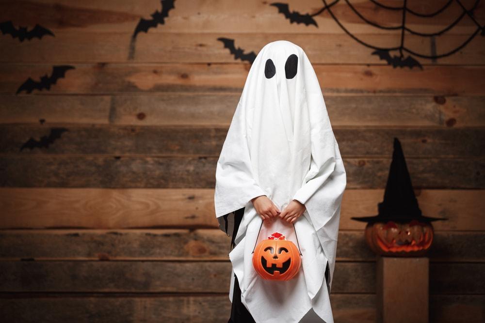 Un enfant déguisé pour Halloween